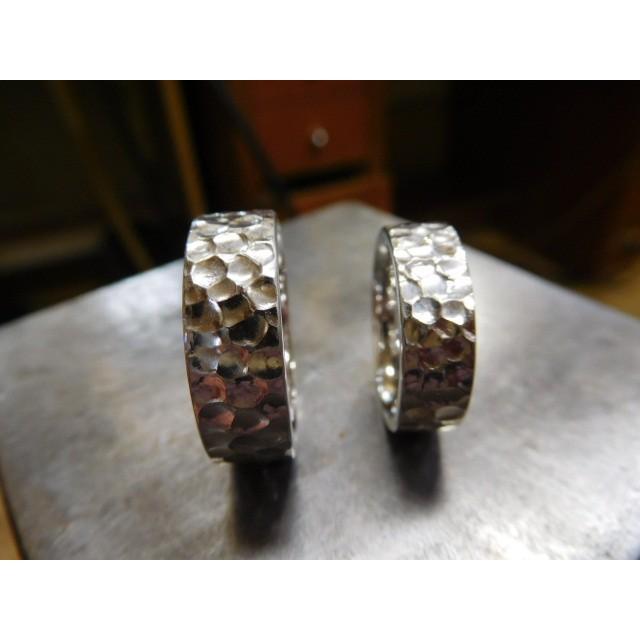 プラチナ 結婚指輪【本物の鍛造】幅広い平打ちに深い光沢の槌目が半端ない! 男性7ミリ幅 女性6ミリ幅|kouki|05