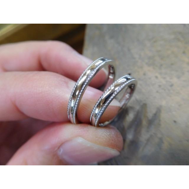 プラチナ 結婚指輪【本物の鍛造】シンプルな甲丸の両フチに 小さいミル打ち 幅2.6ミリ kouki
