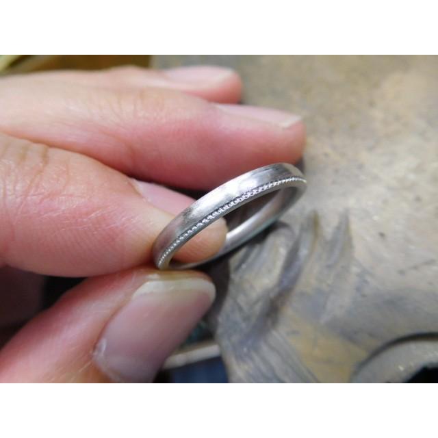 プラチナ 結婚指輪【本物の鍛造】シンプルな甲丸の両フチに 小さいミル打ち 幅2.6ミリ kouki 14