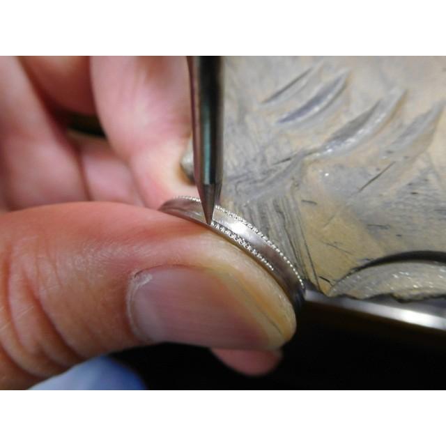 プラチナ 結婚指輪【本物の鍛造】シンプルな甲丸の両フチに 小さいミル打ち 幅2.6ミリ kouki 15