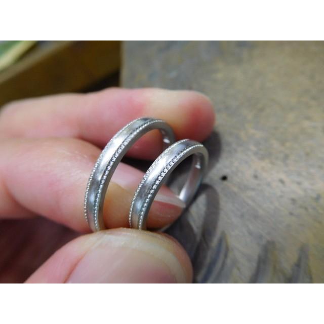 プラチナ 結婚指輪【本物の鍛造】シンプルな甲丸の両フチに 小さいミル打ち 幅2.6ミリ kouki 18