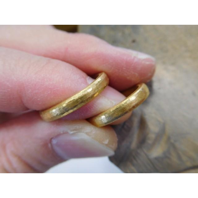 純金 結婚指輪【本物の鍛造】純金の槌目が美しい! シンプルな甲丸&幅3ミリ kouki 02