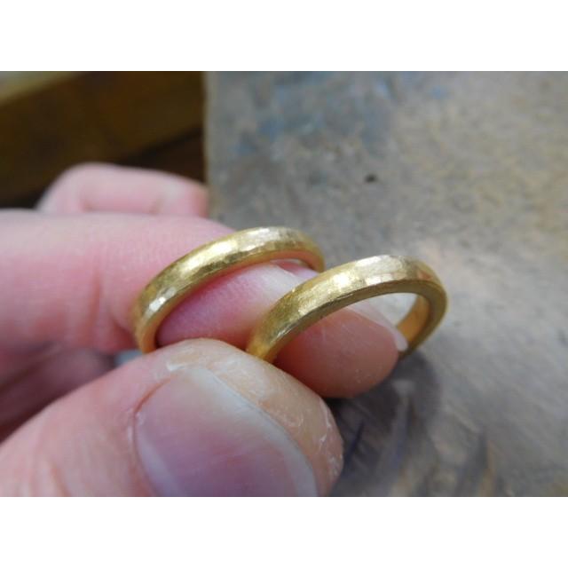 純金 結婚指輪【本物の鍛造】純金の槌目が美しい! シンプルな甲丸&幅3ミリ kouki 03
