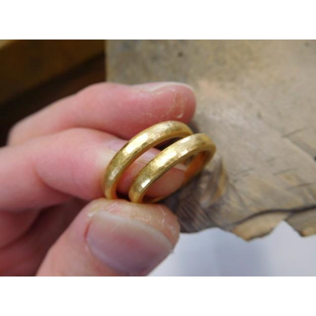 純金 結婚指輪【本物の鍛造】純金の槌目が美しい! シンプルな甲丸&幅3ミリ kouki 04