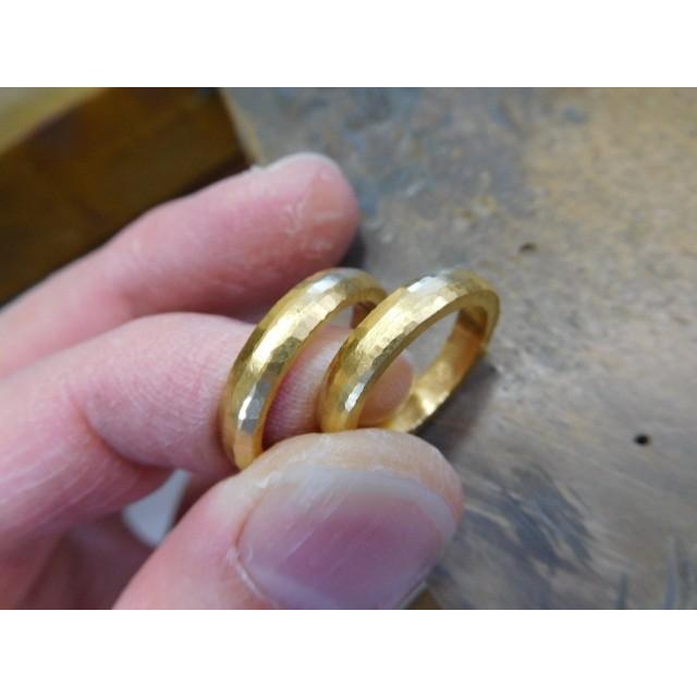 純金 結婚指輪【本物の鍛造】純金の槌目が美しい! シンプルな甲丸&幅3ミリ kouki 08