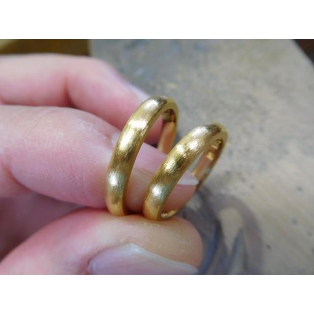 純金 結婚指輪【本物の鍛造】純金の荒仕上げが美しい!シンプルな甲丸&幅3ミリ kouki