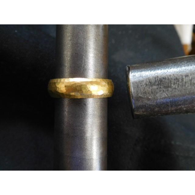 純金 結婚指輪【本物の鍛造】純金の荒仕上げ甲丸が美しい!ボリューミーな幅5ミリ&厚み2.3ミリ kouki 13