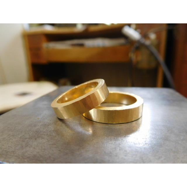 純金 結婚指輪【本物の鍛造】浅い槌目の艶消しが繊細で綺麗! 4ミリ幅の平打ちデザインがシンプルでGOOD|kouki|12