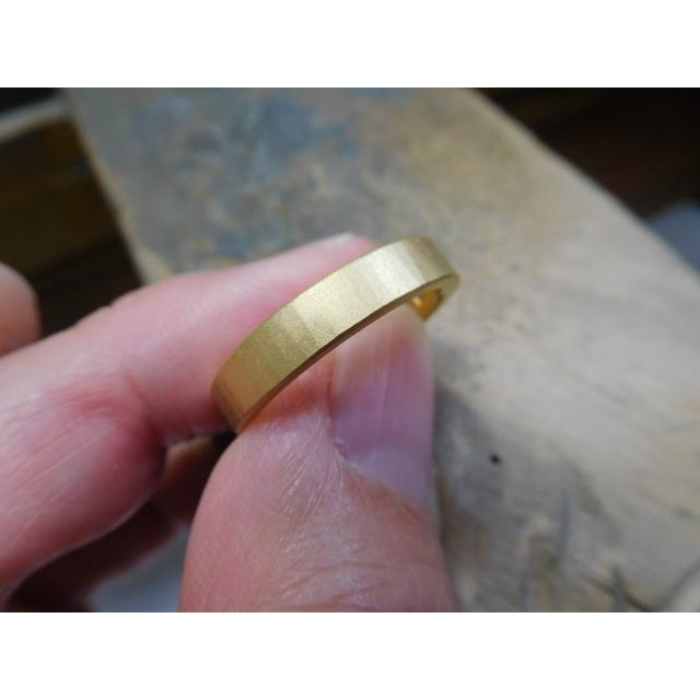 純金 結婚指輪【本物の鍛造】浅い槌目の艶消しが繊細で綺麗! 4ミリ幅の平打ちデザインがシンプルでGOOD|kouki|04