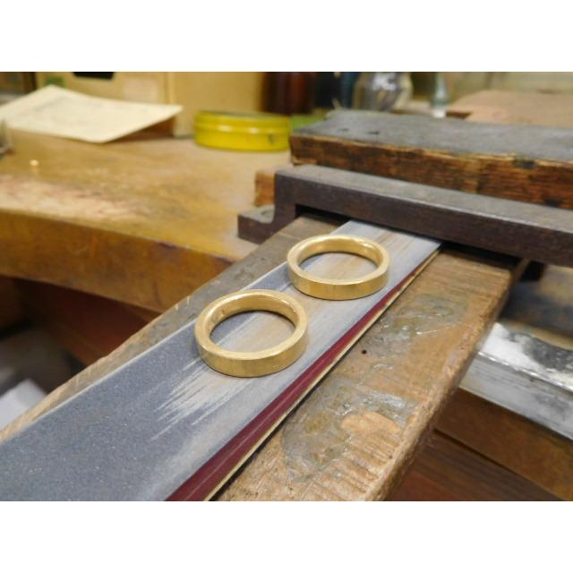 純金 結婚指輪【本物の鍛造】浅い槌目の艶消しが繊細で綺麗! 4ミリ幅の平打ちデザインがシンプルでGOOD|kouki|07