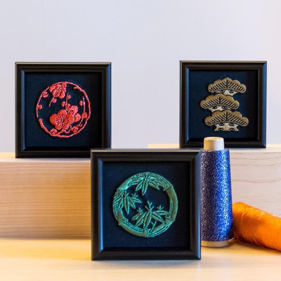 送料無料 インテリア刺繍額 彩-irodori- 植物 日本柄 和柄 刺繍 色糸刺繍 お守りに 還暦祝い/結婚祝い/贈り物/特別な贈り物に|kyoto-sankyo|02