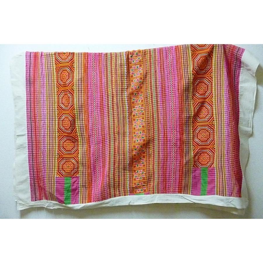 モン族 マルチカバー ピンク系 214×170 ベッドカバー 壁掛け ソファーカバー 大判布 荒隠し布 刺繍布 刺繍布