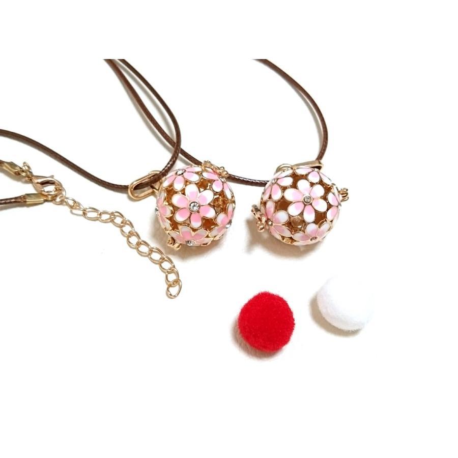 紐が可愛いお花のアロマペンダントネックレス アロマネックレス 白 黒 青 ピンク lanaaromashop 02