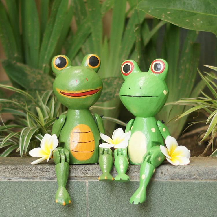 ぶらぶらウッドオブジェ 安心の定価販売 カエル かえる 蛙 ギフ_包装 人形 木彫り 玄関 置物 引っ越し祝い 結婚祝い トイレ