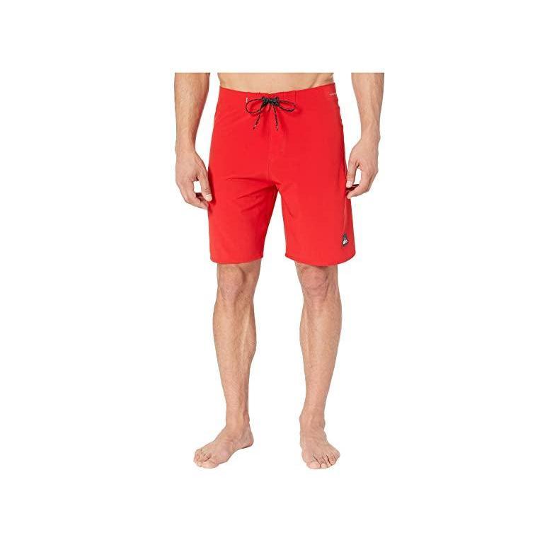 クイックシルバー Quik銀 Highline Kaimana 20 Boardshorts メンズ 水着 海パン Quik 赤