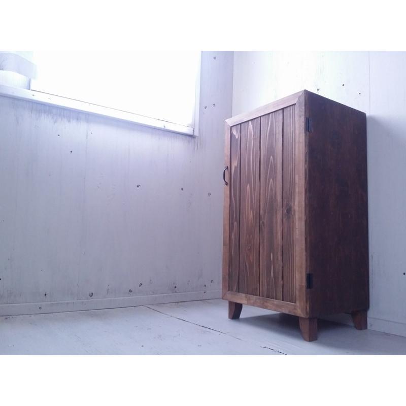 アンティーク風 キャビネット キャビネット 可動棚 かわいい収納棚 オスモウォルナット
