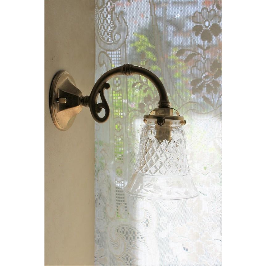 アンティーク調真鍮ブラケットライト(ウォールランプ)&切子デザインの素敵なカットガラス・ランプシェードのウォールランプセット
