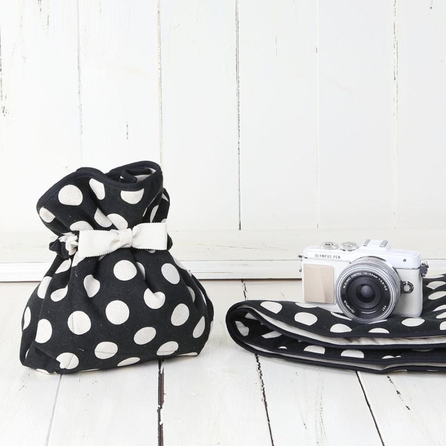 カメラ女子♪ミラーレス一眼カメラが入る!かわいいラッピングクロス「カメラのくるみん」 ブラックキナリコインドット|mi-na