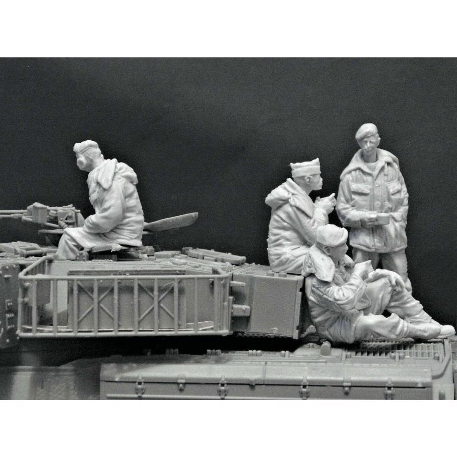 現用ライン駐留イギリス陸軍 チーフテン戦車クルーセット(防寒服着用) British Army On the Rhine,Chieftain crew in Cold weather gear. 1/35 [ACM-35029]
