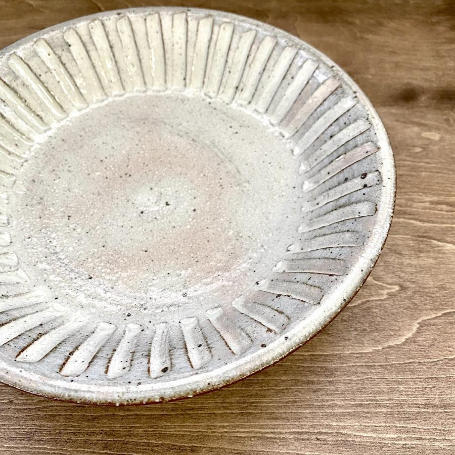 皿 プレート おしゃれ 盛皿 粉引けずり 前菜皿 18.5cm 食器 陶器 和風 minopota 02