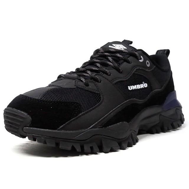 umbro bumpy trainers in black