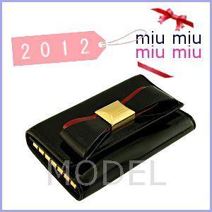 【1着でも送料無料】 ミュウミュウ miu miu MIUMIU キーケース リボン 新作 5M0222, メンズファッションのCASUALINASE eb1a95e1