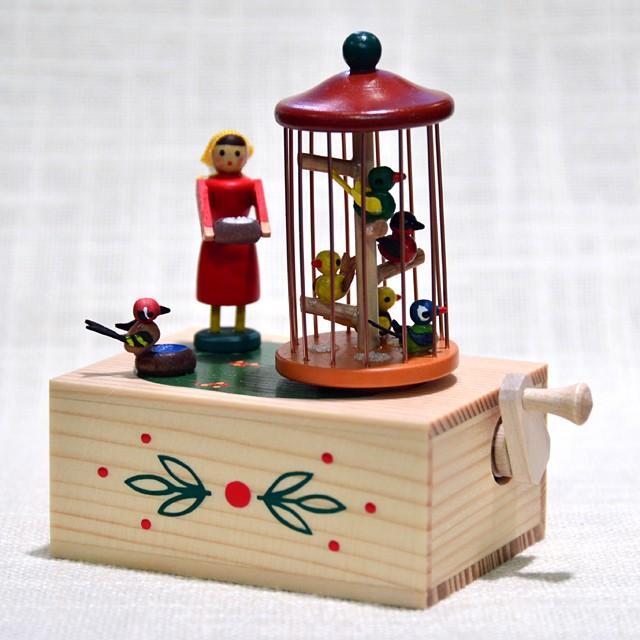 最終決算 ドイツ木工芸品・手回しオルゴール 女の子と小鳥, 安土町:7e30f8e6 --- sonpurmela.online