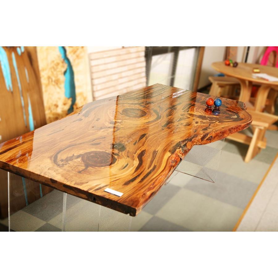レジン テーブル