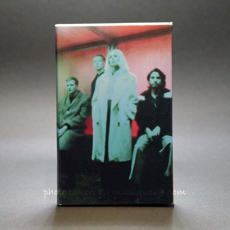 ウルフアリス Wolf Alice - Blue Weekend: Exclusive Black Limited Edition (cassette)|musique69