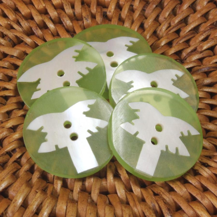 ★クリックポスト送料無料★ 貝ボタン バリ島雑貨 丸樹脂型緑色椰子の木模様/2穴/φ17mm/t2mm 1個入  mutasan