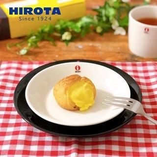 シュークリーム カスタード 1箱4個入 洋菓子のヒロタ HIROTA 定番 老舗 スイーツ お菓子 贈り物 往復送料無料 デザート お中元 1個36g おやつ お取り寄せ ギフト