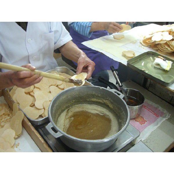 飫肥(おび)せんべい16枚入 日南産黒砂糖入り ちょっとした御礼やギフトに人気です|nichinan-tv|03
