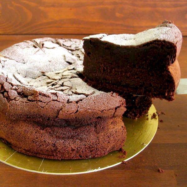 ガトーショコラ ベルギー産 濃厚 チョコとバンホーテンココアを贅沢使用 5号(15cm)|nissenren-numazu