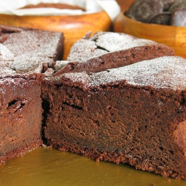 ガトーショコラ ベルギー産 濃厚 チョコとバンホーテンココアを贅沢使用 5号(15cm)|nissenren-numazu|02
