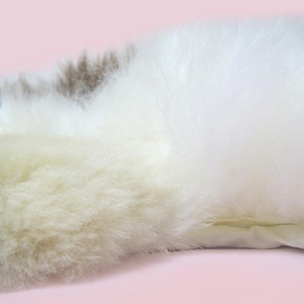 ムートン クッション 羊くん AUSKIN かわいすぎて座れない?でも座り心地抜群のふわふわ天然ムートン ギフトにも人気|noble-collection|05