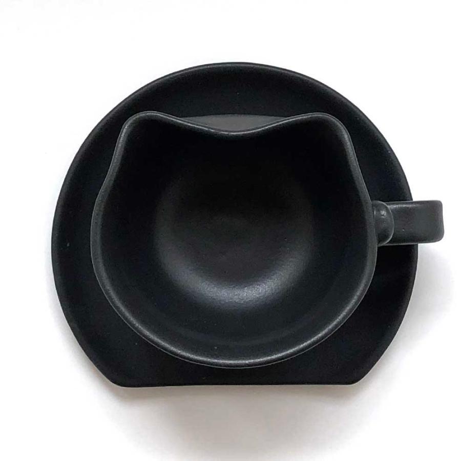 香箱座り猫カップ&ソーサー(マドラー付)黒猫Ver. nunobikiyaki