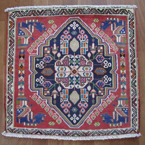 カシュガイ絨毯 座布団サイズ 60×62cm