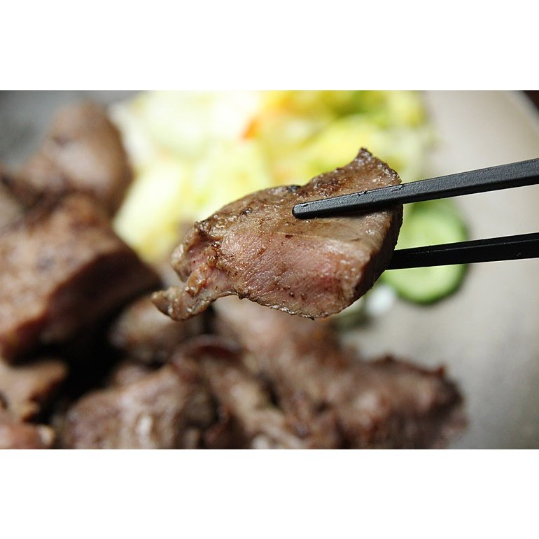 牛タン 仙台 1kg 厚切り牛タンの切り落とし 8mm 焼くだけでご自宅で本場の味を楽しめる 500g×2P 牛たん お取り寄せグルメ 肉 送料無料 oeuf-omotenashi 04
