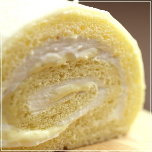 お取り寄せ(楽天) 広島でロールケーキが一番おいしいお店★ ホワイトチョコロールケーキ 価格3,400円 (税込)