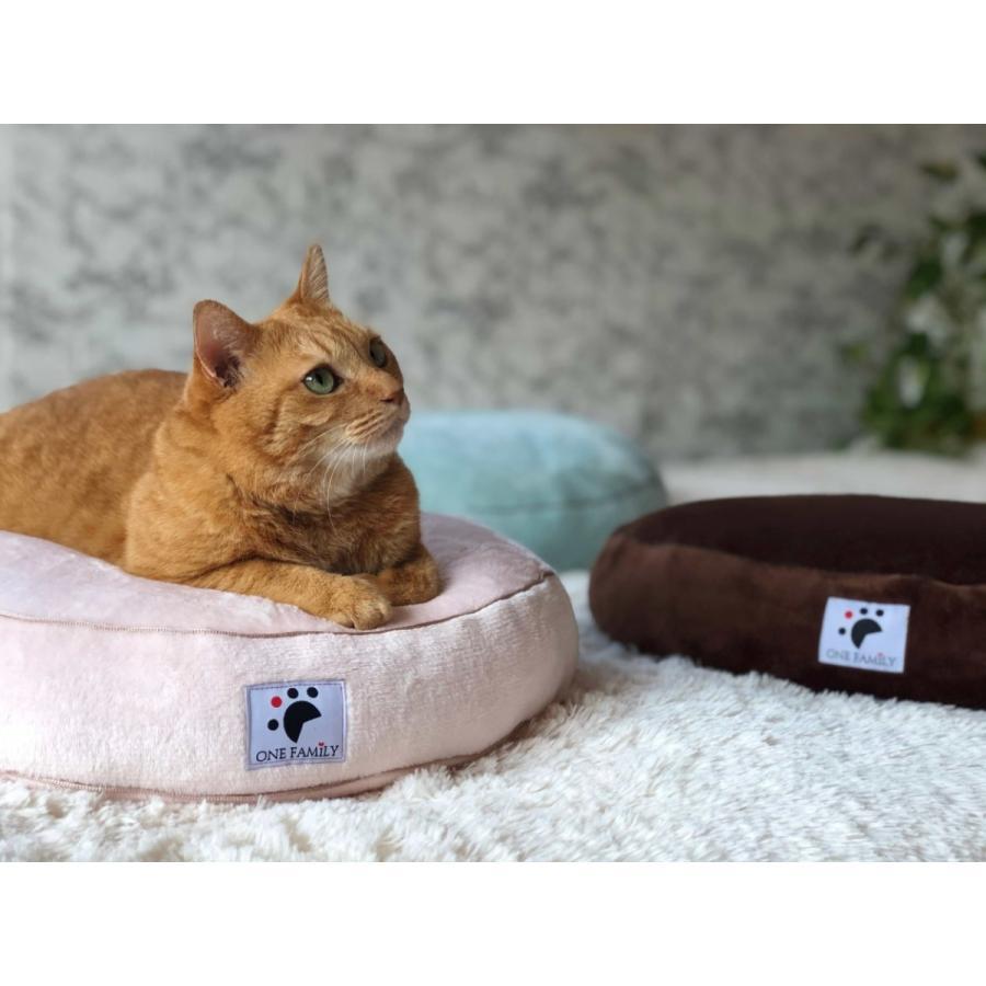 【ペットではなくあなたは家族】 犬や猫の 円形羽毛クッション+専用カバー|one-family