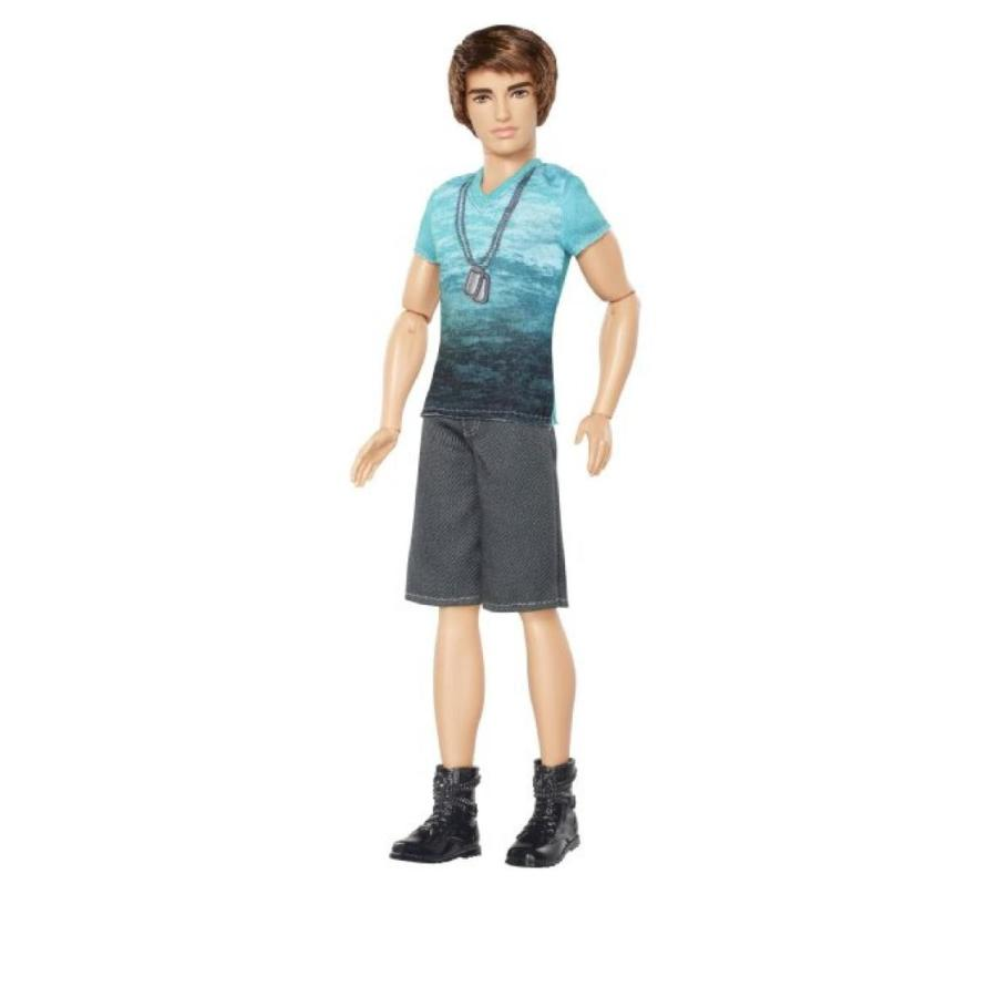 バービー人形 着せ替え おもちゃ Barbie Fashionista Ken Doll with 青 T-Shirt and Navy Shorts 輸入品