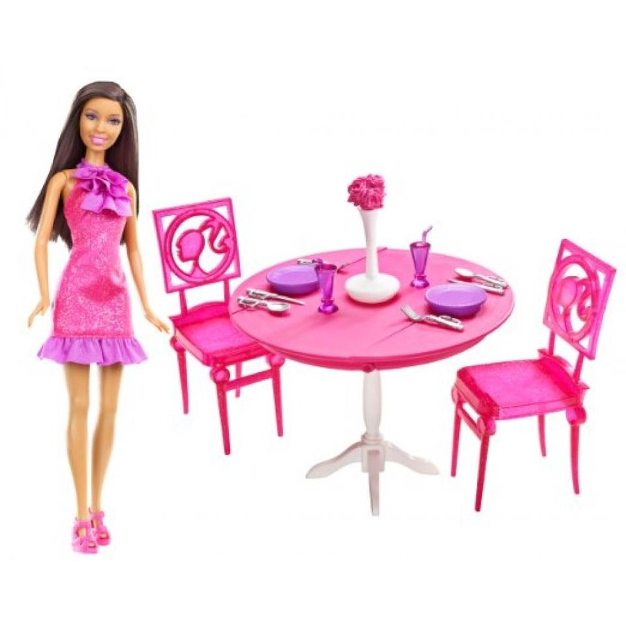 バービー人形 おもちゃ 着せ替え Barbie African-American Doll and Dining Room Gift Set 輸入品