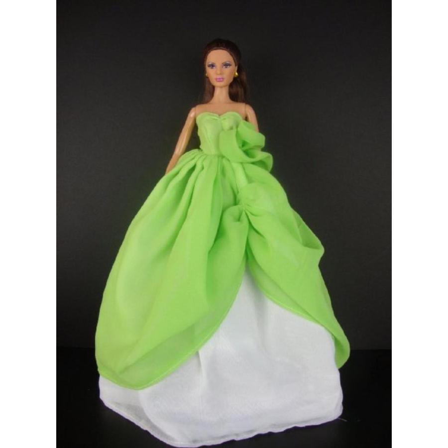 バービー人形 着せ替え おもちゃ A Stunning Two Tone Gown in Lime 緑 and 白い Made to Fit the Barbie Doll 輸入品