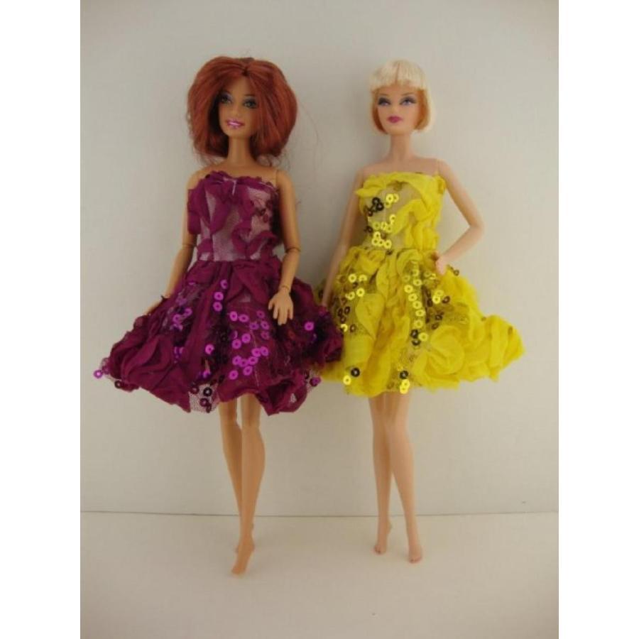 バービー人形 着せ替え おもちゃ A Set of 2 Party Dresses in 紫の and 黄 Made to Fit the Barbie Doll 輸入品