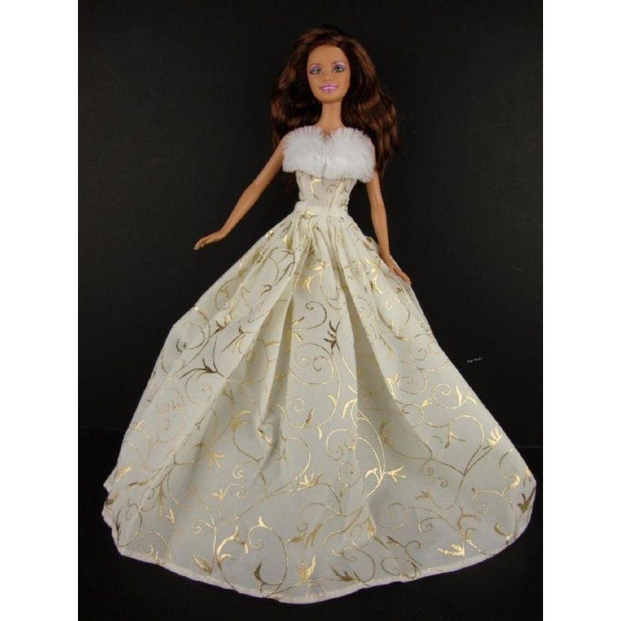 バービー人形 着せ替え おもちゃ A Set of Two Christmas Gowns in 緑 and Ivory and ゴールド to Fit the Barbie Doll 輸入品
