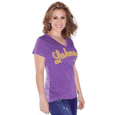 タッチ アメリカ USA 全米 リーグ バスケットボール NBA Touch by Alyssa Milano Los エンジェルes Lakers レディース パープル Audrey Vネック Tシャツ