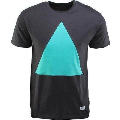アスレチック ウェア アコンプライス Akomplice アクア Triangle Cut Tシャツ (ブラック / アクア) アクアTRITEEBLK