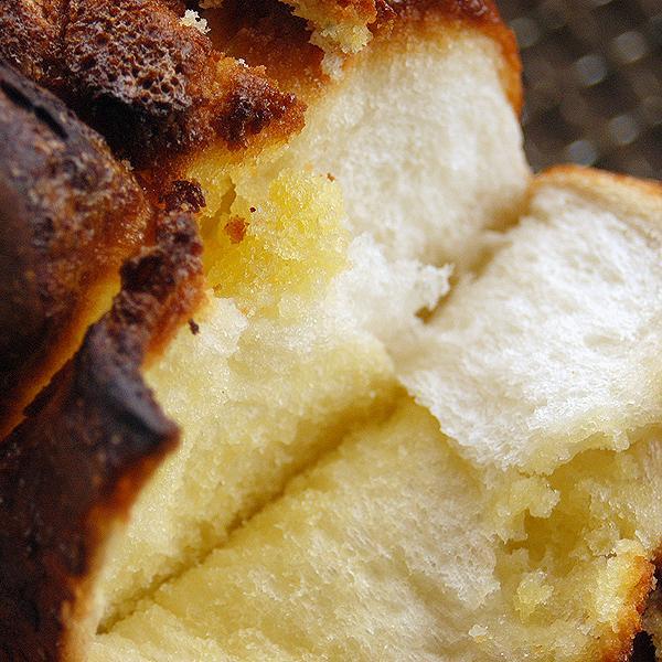 アマンド食パン 2斤  アーモンドたっぷりのケーキ生地が楽しめる食パンです。 pao 06