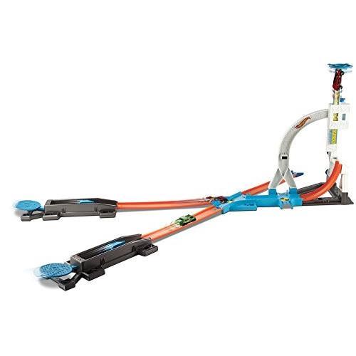 ホットウィールHot Wheels Track Builder System Stunt Kit Playset [Amazon Exclusive]