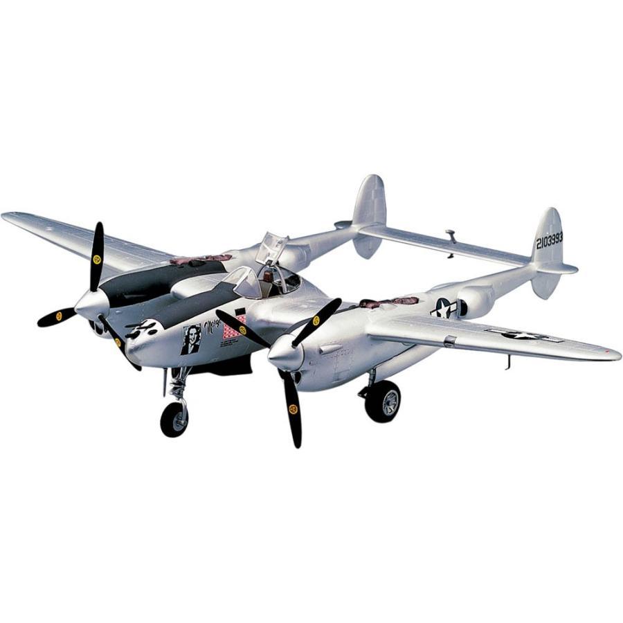 Revell(レベル) 1:48 P38J Lightning ライトニング プラモデル 送料無料(海外から発送)